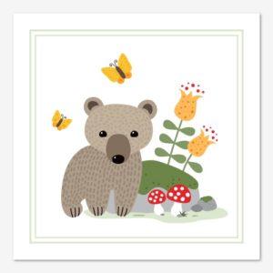 Söt tavla för barn med en liten björnunge som tittar fram bakom en sten