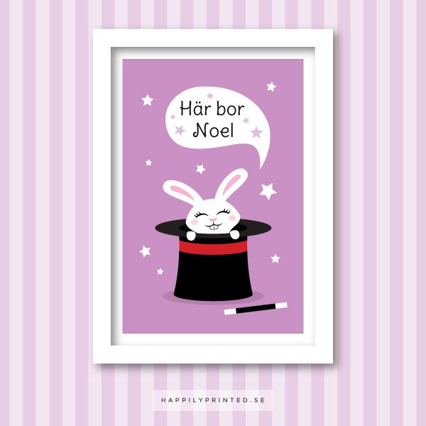 Personlig namntavla för barn med kanin i svart hatt och trollspö