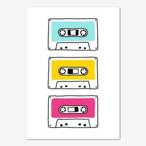 Färgglad tavla för barn med retro kassettband