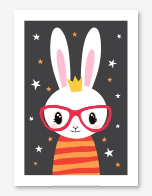 Söt barntavla med en vit kanin som har röda glasögon och har en randig tröja.